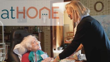 Améliorer les compétences des aides à domicile pour personnes âgées